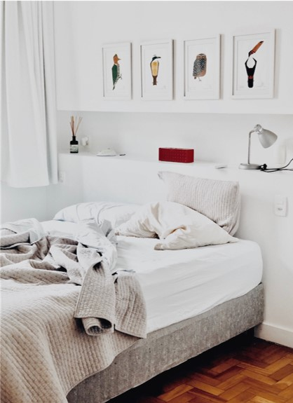 Comfy and light, simple style bedroom
